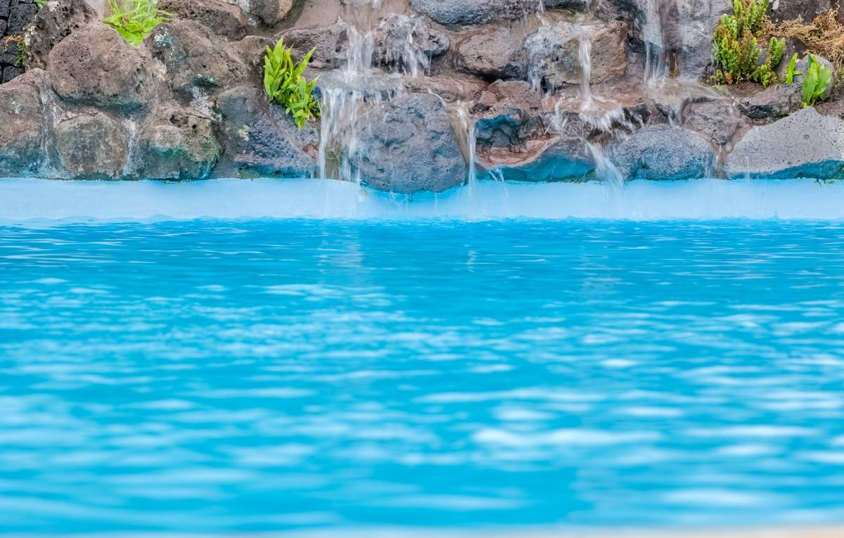 Architect or pool builder: who should you choose to build your pool?